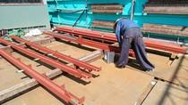 超音波検査に合格後、鉄骨のサビ止め塗装を丁寧に施工して仕上げます。