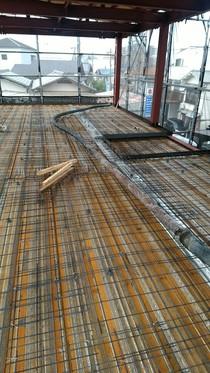 床QLデッキ+鉄筋 コンクリートを流す前の全体です。