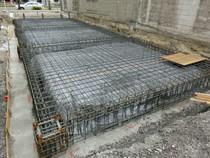 ごっついベタ基礎工事 鉄筋コンクリートベタ基礎です。かなりごっつい地中梁に施主様もビックリ!