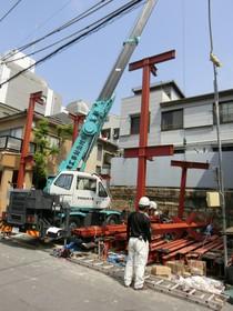 レッカー車を使った重量鉄骨造の上棟です!