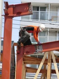 重量鉄骨造のボルト締め等は鳶職人の技です!