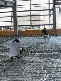 土間はかなりの荷重に耐えれるよう弊社としては今までで一番分厚い土間工事です。
