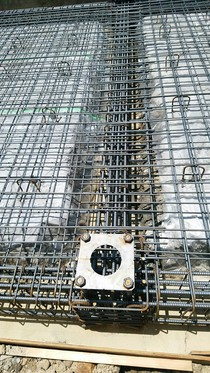 重量鉄骨造のベースとなる鉄筋コンクリートベタ基礎のベースパックと地中梁!凄く良い感じに仕上がってます。