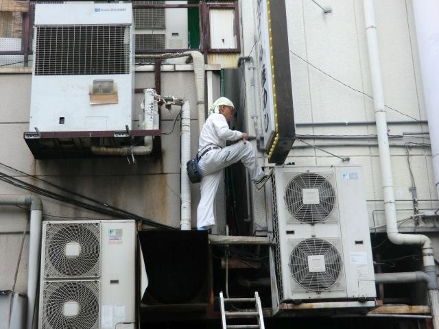 リフォーム堺市 大型店舗エアコンドレン配管交換 水漏修繕工事