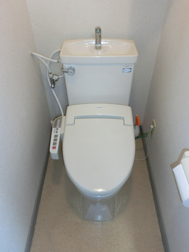 リフォーム大阪市生野区 トイレリフォーム ウォシュレット(温水洗浄便座)設置工事